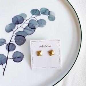 Stella & Dot Cleopatra Stud Gold Earrings